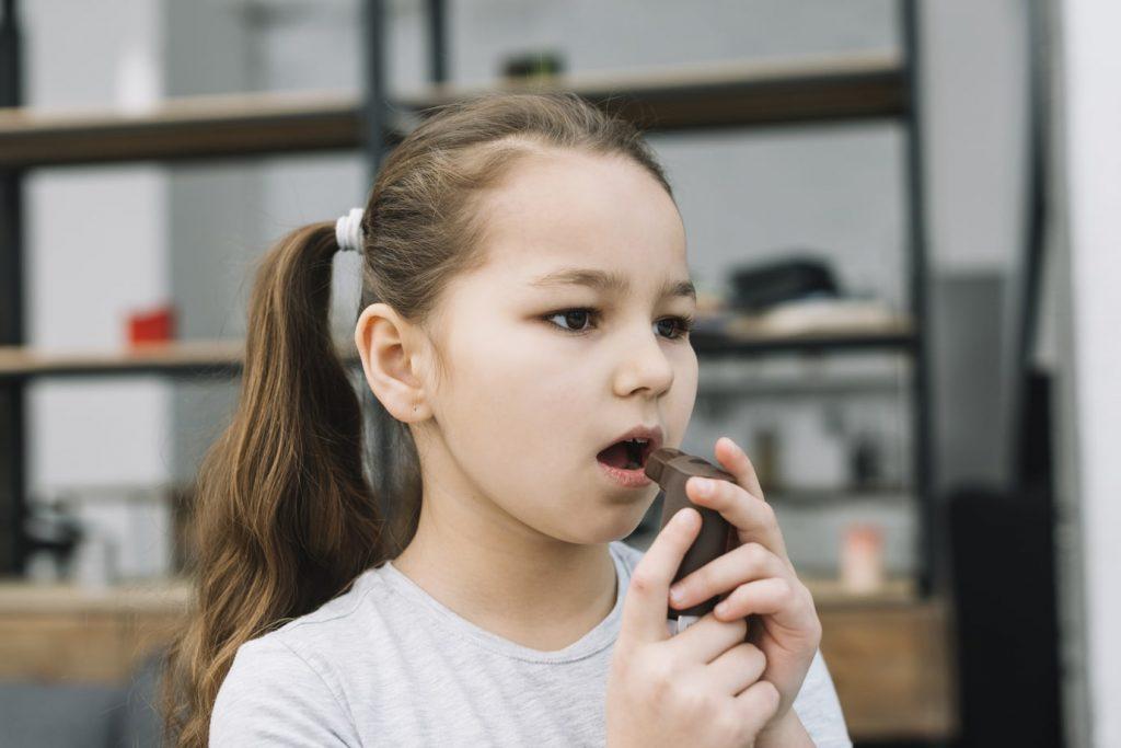 Enfant asthme et coronavirus