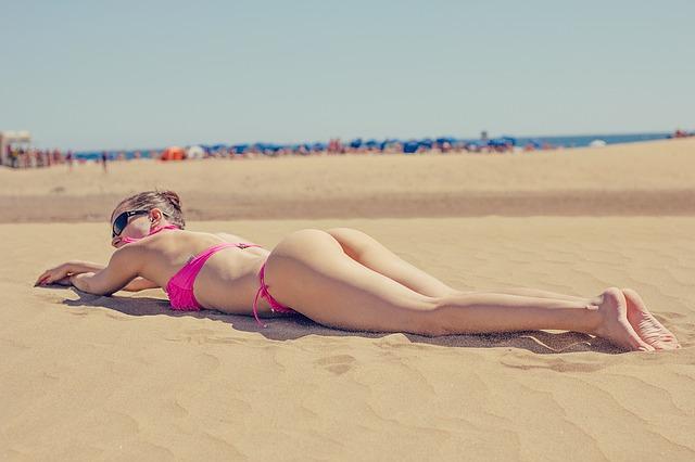bikini fesses