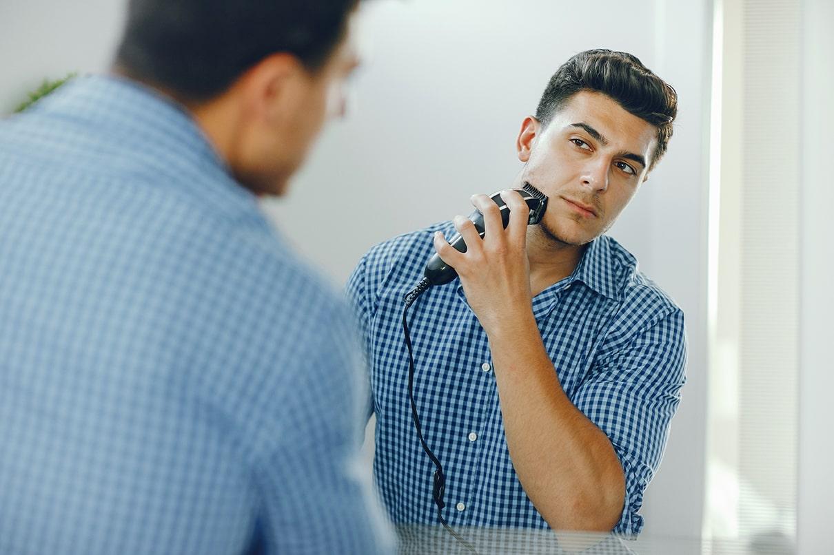 Avantages et inconvénients des rasoirs électriques pour hommes