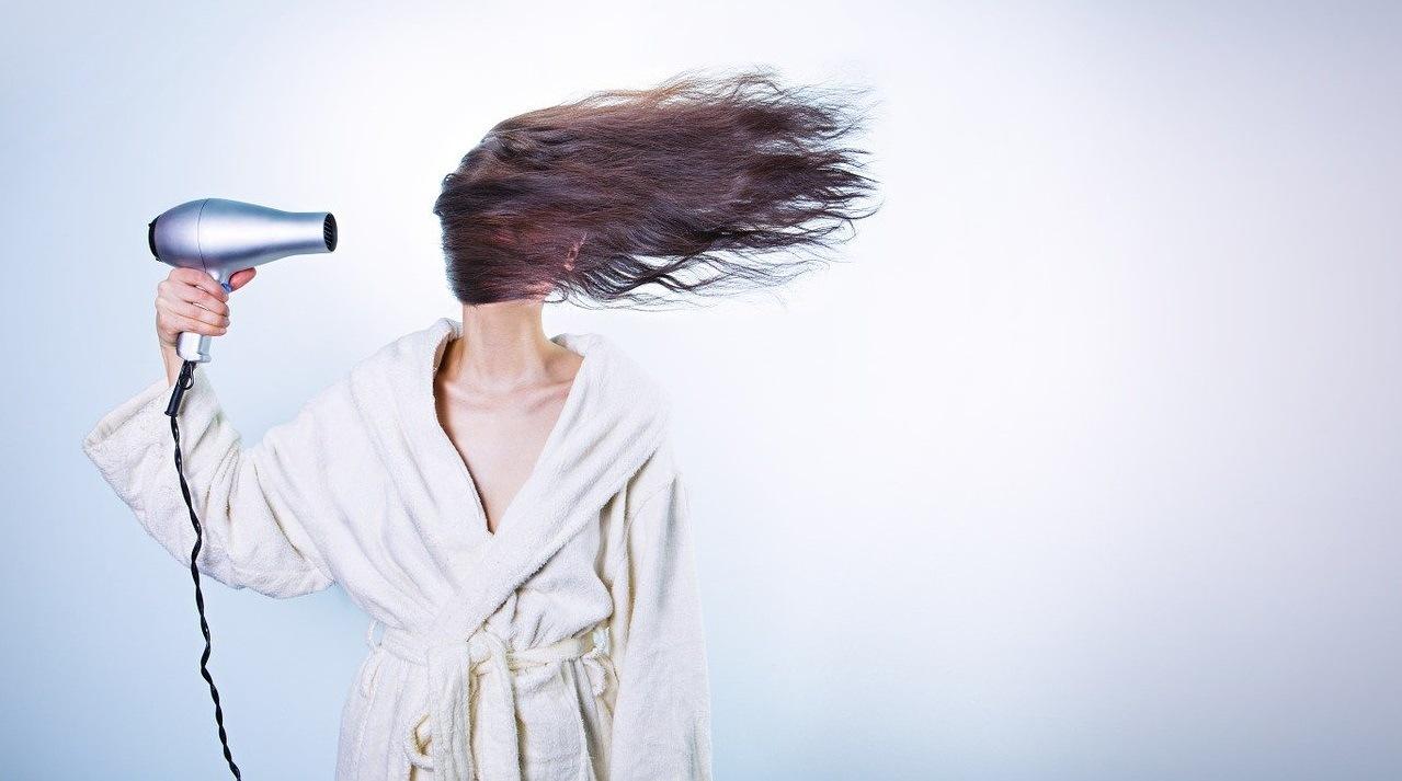 Comment prendre soin de ses cheveux: les meilleurs conseils