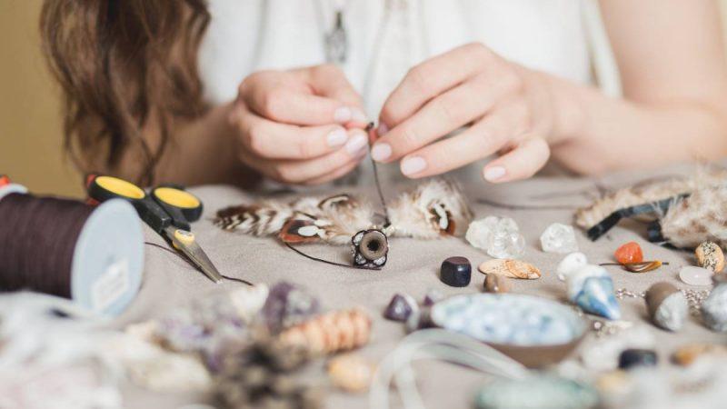 Sautoir, bracelet, collier: comment créer votre bijou?