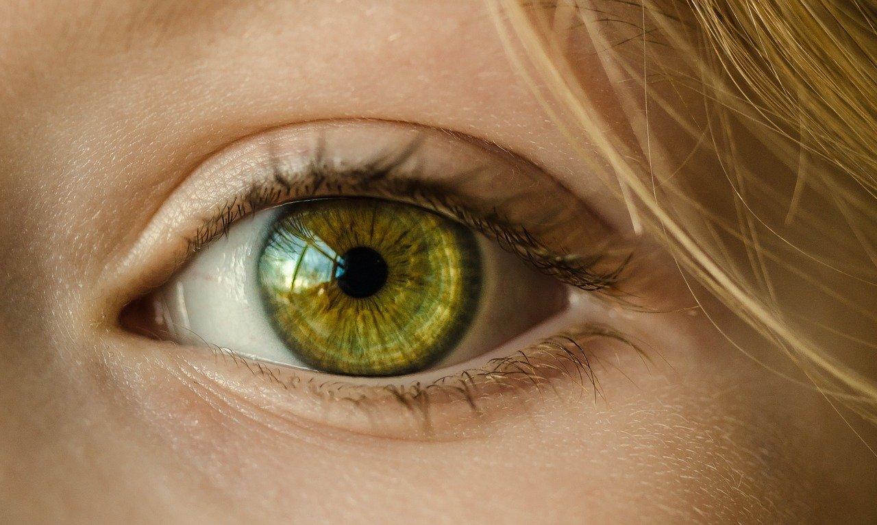 Herpès oculaire: comment le soigne-t-on?