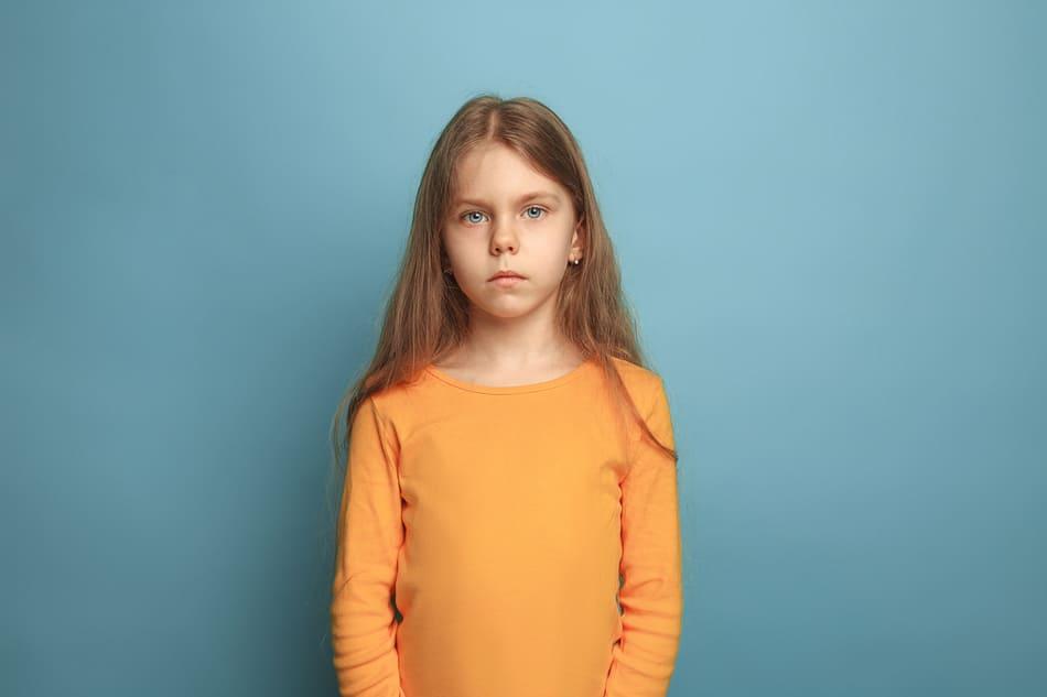 enfant triste cyberharcèlement