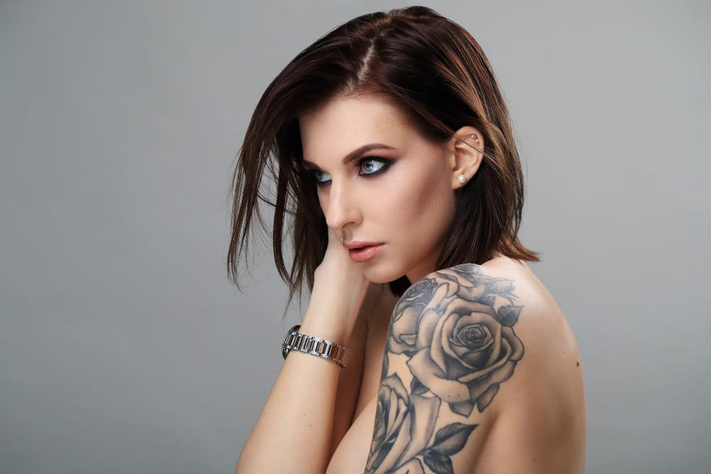 Tatouage et piercing: faut-il embellir son sexe?